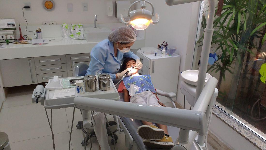 Οδοντίατροι: Η κυβέρνηση να στηρίξει τώρα τους Επιστήμονες, για να αποφευχθεί νέο κύμα «μετανάστευσης»