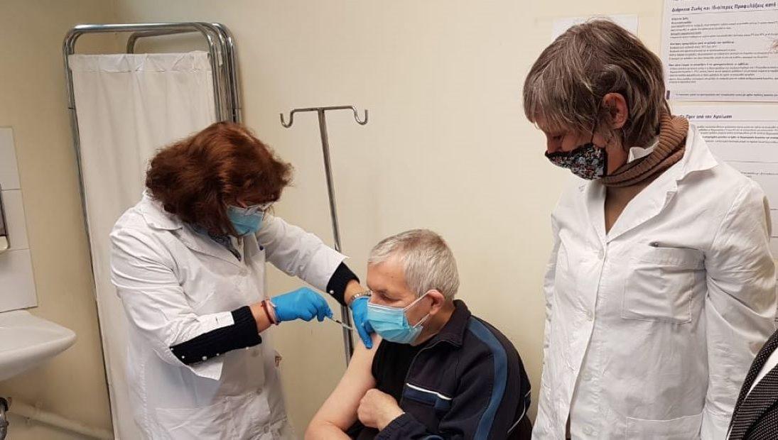 Αύξηση της εμβολιαστικής κάλυψης σε πολίτες μεγαλύτερης ηλικίας
