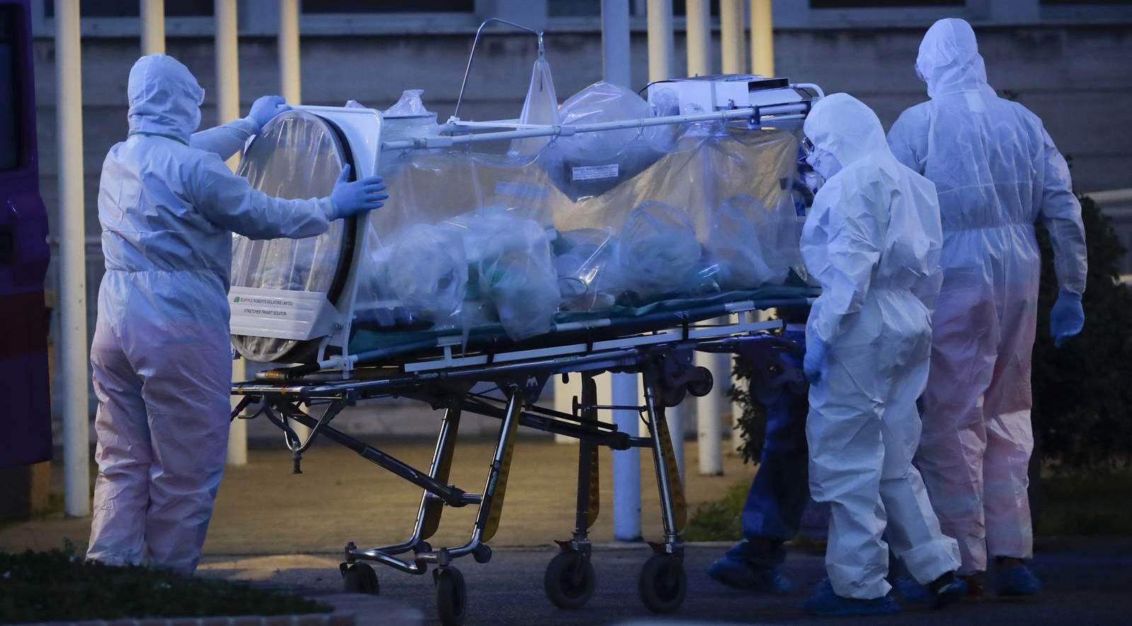 Κορονοϊός: Συνεχίζεται το αρνητικό ρεκόρ σε κρούσματα, θανάτους