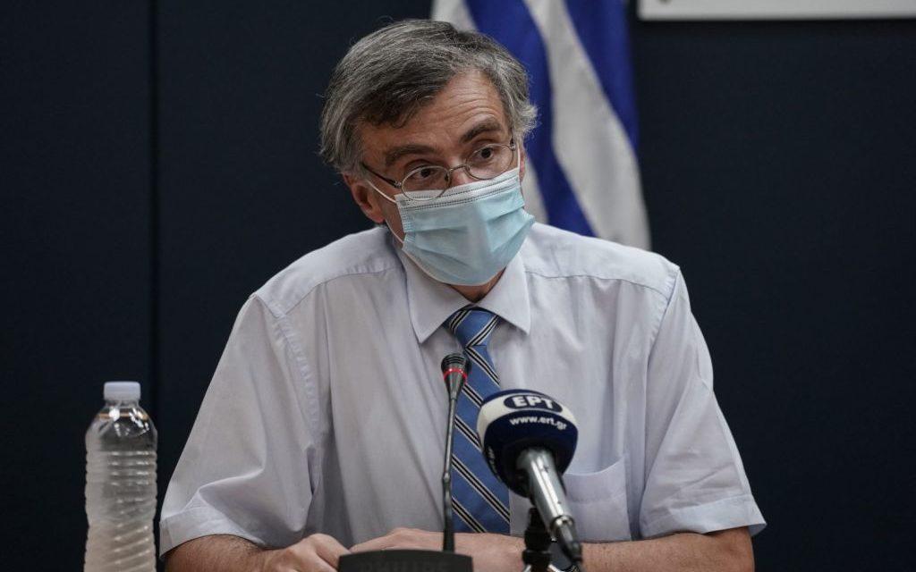 Σ. Τσιόδρας: Σημαντική μείωση θανάτων, εισαγωγών και διασωληνώσεων από τα εμβόλια στην Ελλάδα